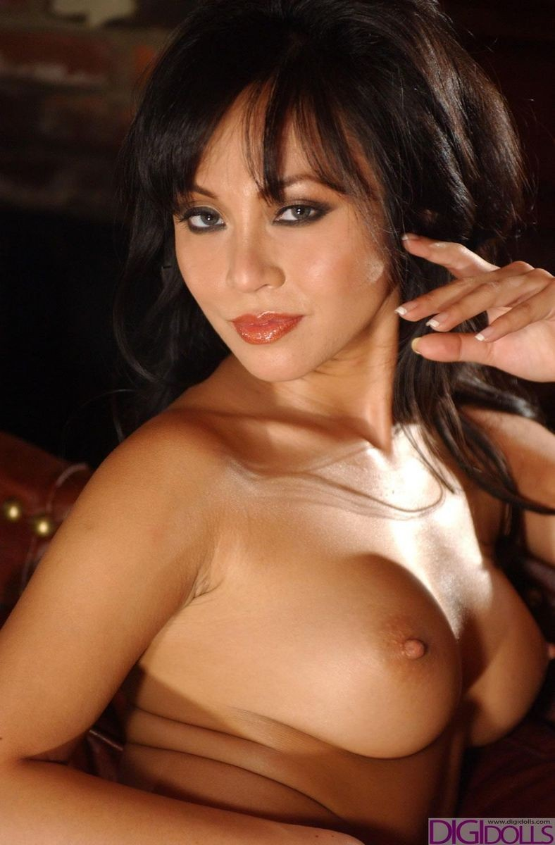 Jennifer_Lee_Nude_Pictures_009